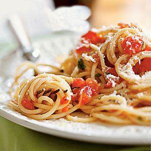 sacharidů den špagety s rajčaty