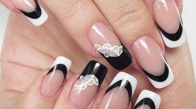 krajky v černé a bílé nehty