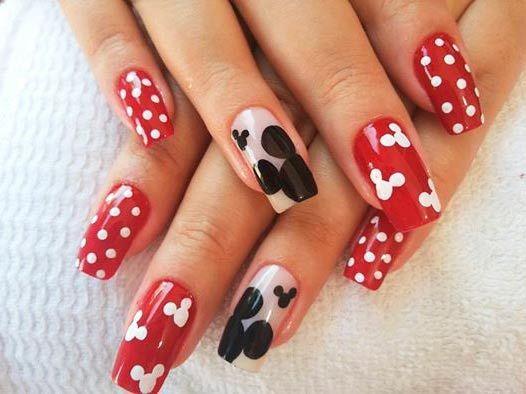 Mickey Mouse na nehty