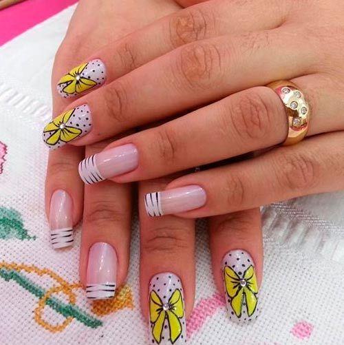 žluté stužky trendy nehty vzory