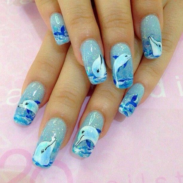nail art s delfíny