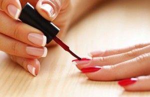 maluje nehty