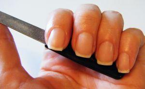 hřebík trim