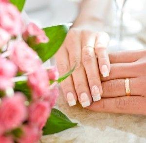 svatební manikúra