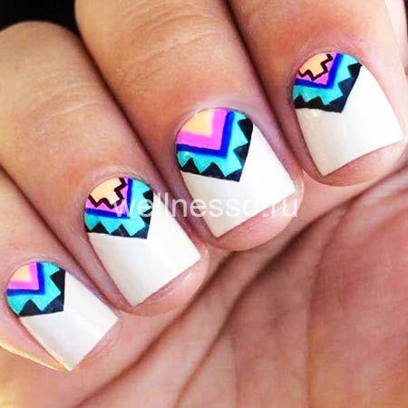 geometrie na fotografii krátké nehty