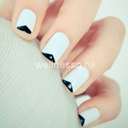 black and white manikúra