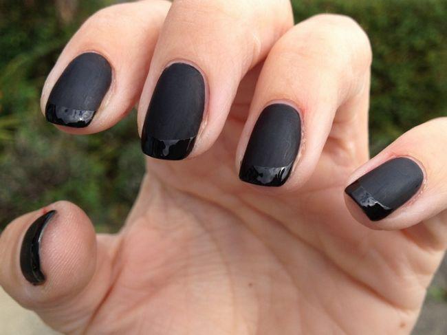 matná černá