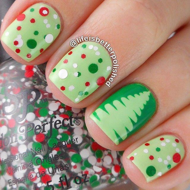 zelený strom na nehty