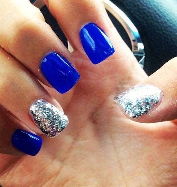 unghii albastru cu sclipici genial