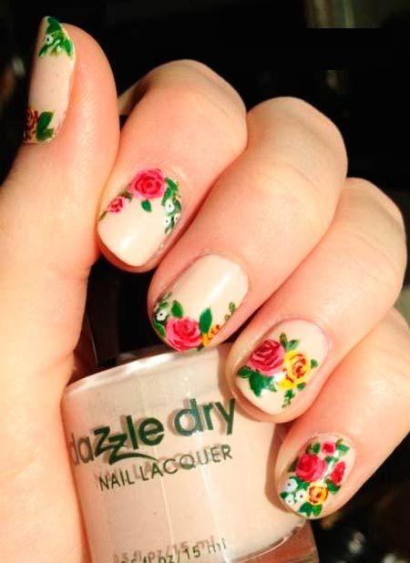 manikúra nápady s květinami